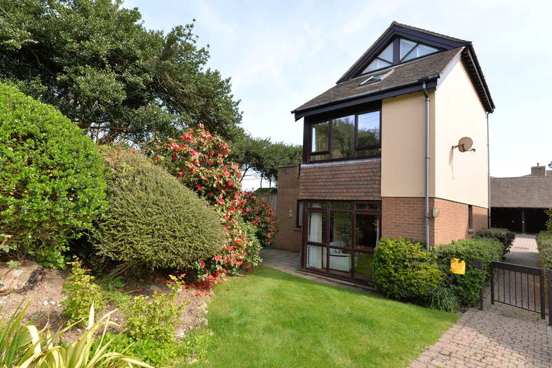 2 Bedrooms Apartment Flat for sale in Barton Green, Barton on Sea