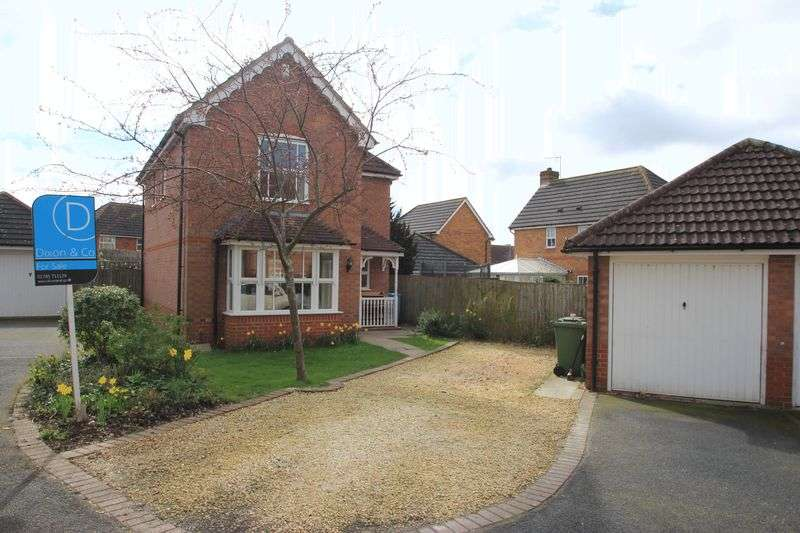3 Bedrooms Detached House for sale in Walhouse Drive, Penkridge, ST19