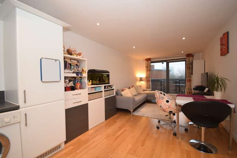1 Bedroom Flat for sale in Chapter Way, London, London, SW19