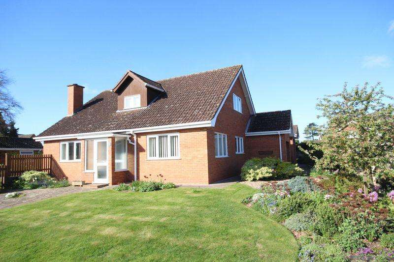 3 Bedrooms Detached House for sale in OFF AYLESTONE HILL
