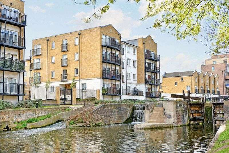 2 Bedrooms Flat for sale in Johnson Lock Court, Stepney Green, E1