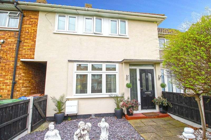3 Bedrooms Terraced House for sale in Three Bedroom Mid Terrace House in Monnow Green, Aveley, Essex