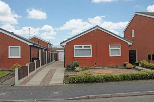 3 Bedrooms Detached Bungalow for sale in Bond Close, Warrington, Cheshire