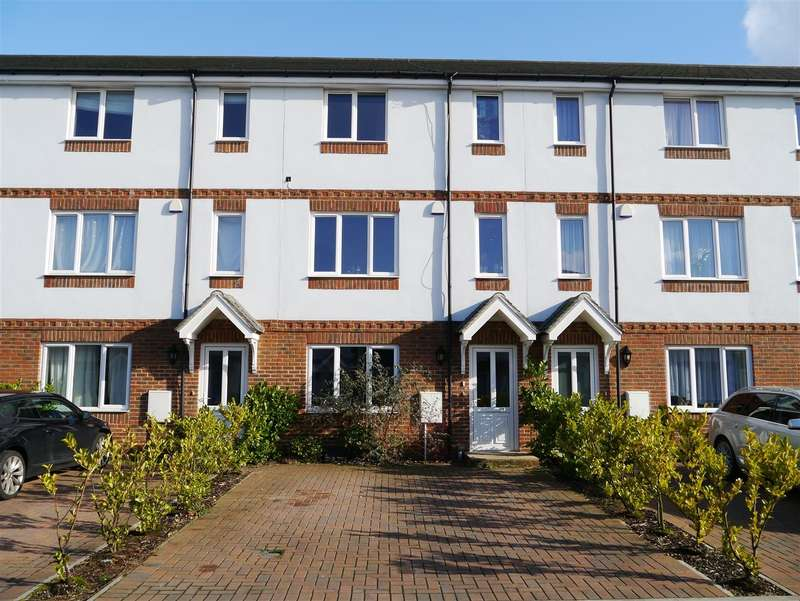 4 Bedrooms Town House for rent in Sailcloth Close, Reading, RG1