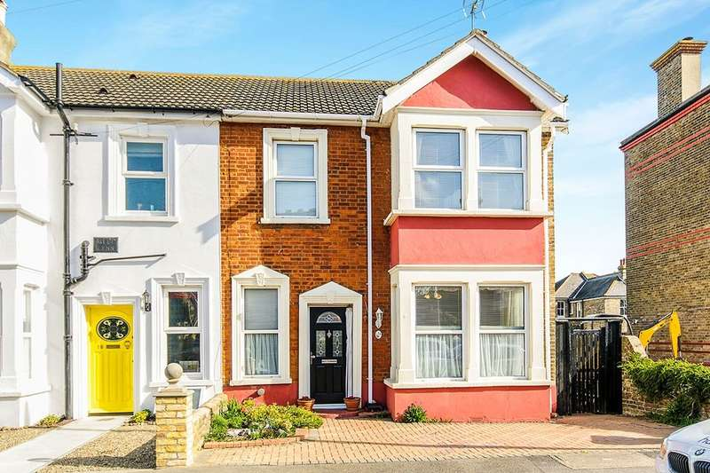 3 Bedrooms Semi Detached House for sale in Percy Road, Broadstairs, CT10