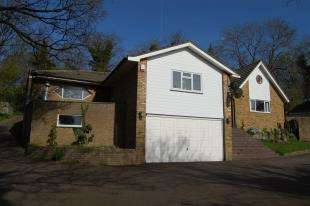 4 Bedrooms Bungalow for sale in Higher Drive, Purley, Surrey, Na