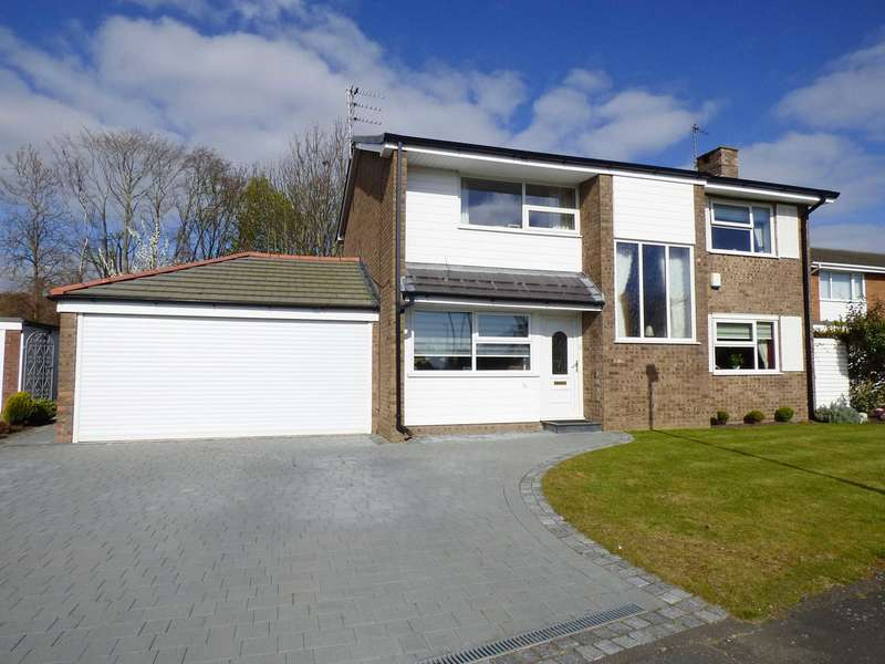 4 Bedrooms Detached House for sale in Hall Park Drive, West Park, Lytham