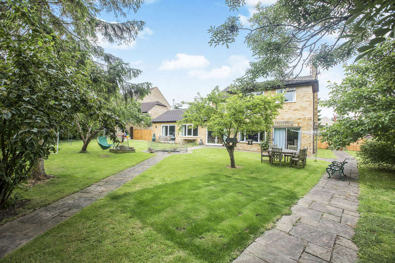 6 Bedrooms Detached House for sale in Kite Hill, Wanborough