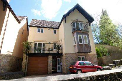 4 Bedrooms Detached House for sale in Church Town, Backwell, Near Bristol, North Somerset