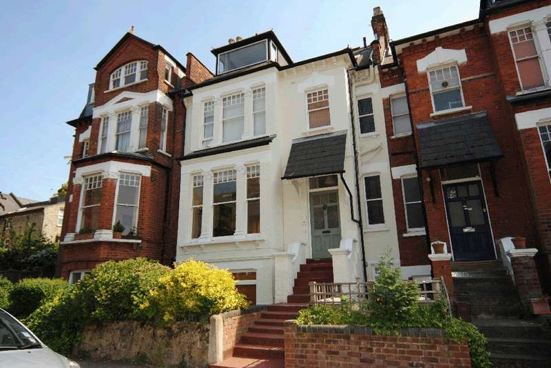 3 Bedrooms Flat for sale in Dickenson Road, Crouch End, N8