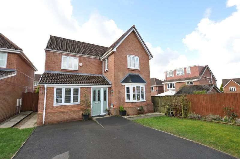 4 Bedrooms Detached House for sale in Nab Wood Drive, Chorley, Lancashire, PR7 2FG