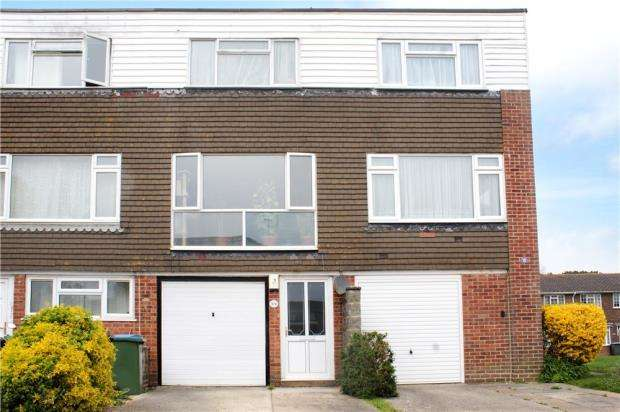 3 Bedrooms Terraced House for sale in Timberleys, Littlehampton, West Sussex, BN17