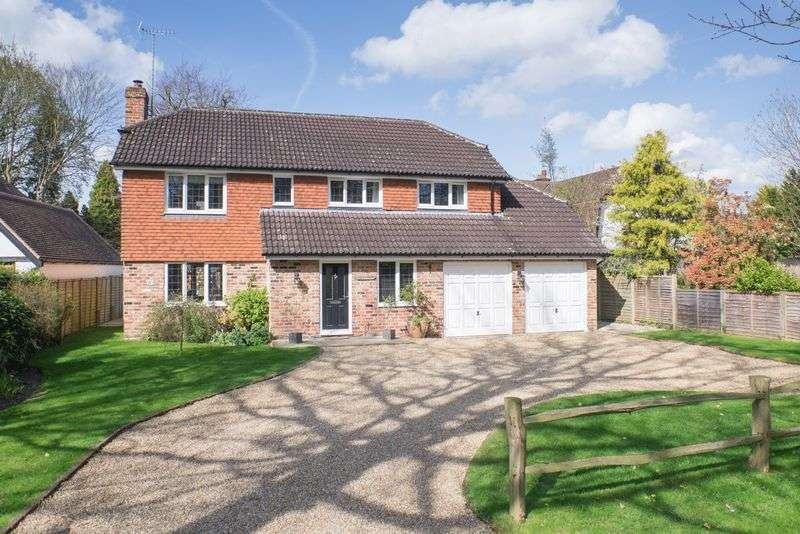 5 Bedrooms Detached House for sale in Littleheath Lane, Cobham