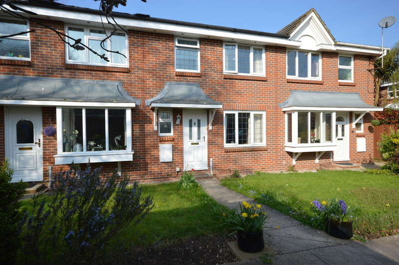 3 Bedrooms Terraced House for sale in Doe Copse Way, New Milton