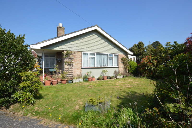 2 Bedrooms Detached Bungalow for sale in Branksome Close, New Milton
