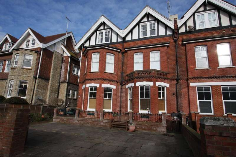 3 Bedrooms Apartment Flat for sale in Silverdale Road, Eastbourne BN20