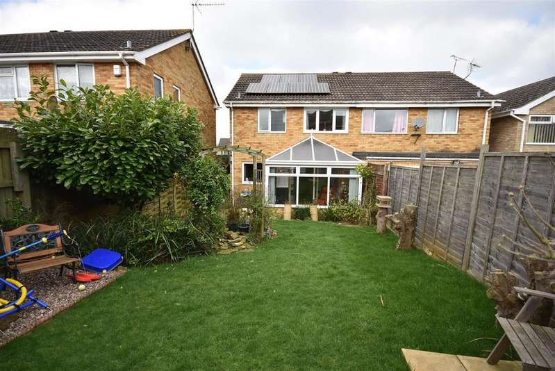 3 Bedrooms Semi Detached House for sale in St Johns Road, Kettering