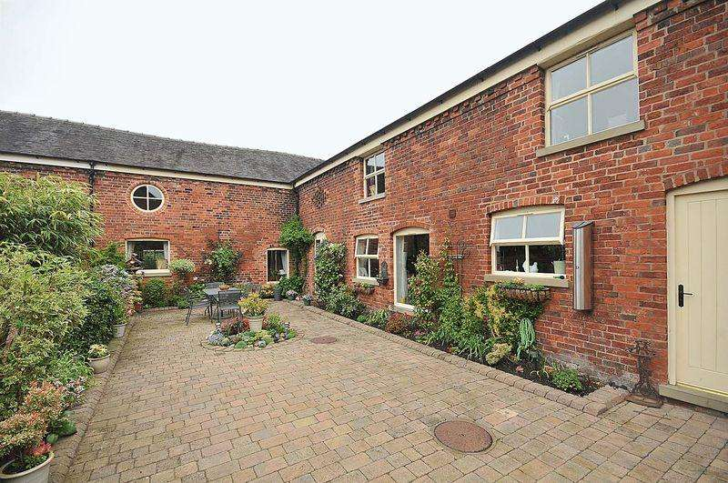 4 Bedrooms Barn Conversion Character Property for sale in Mill Lane, Holmes Chapel