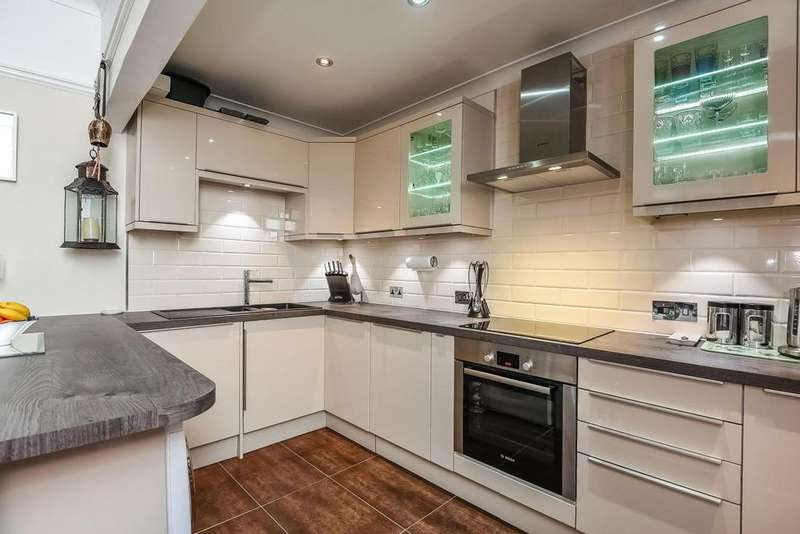 2 Bedrooms Flat for sale in Hammersmith Grove, Hammersmith, W6
