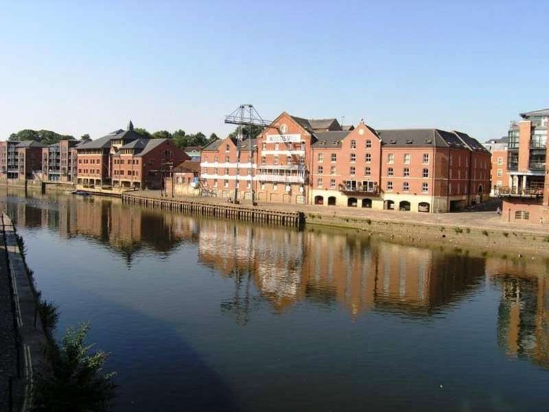 2 Bedrooms Apartment Flat for sale in 35 Woodsmill Quay Skeldergate York YO1 6DX