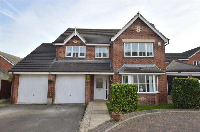 4 Bedrooms Detached House for sale in Lavery Close, Ossett, West Yorkshire