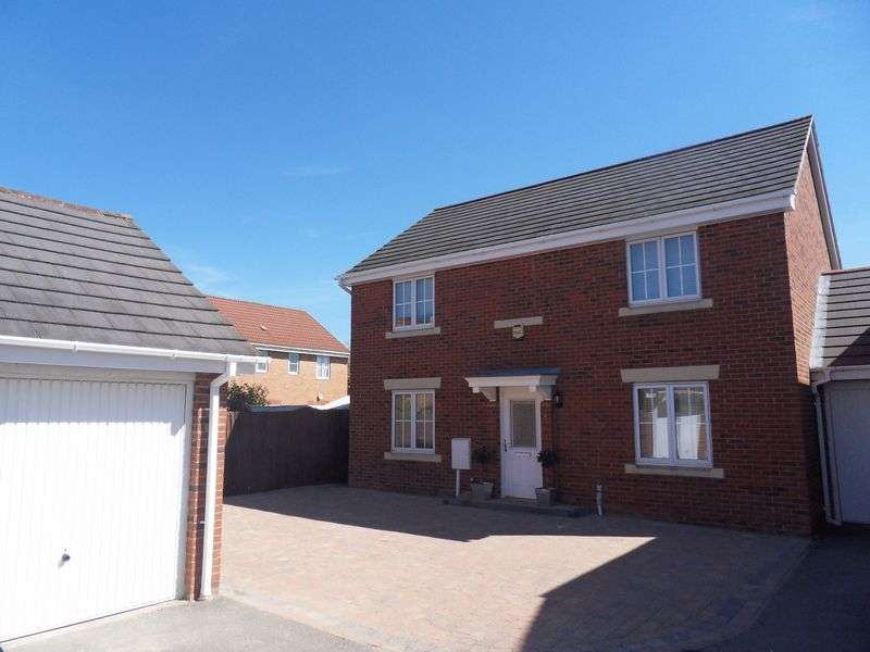 4 Bedrooms Detached House for sale in Primrose Close, Oakley Vale, Corby