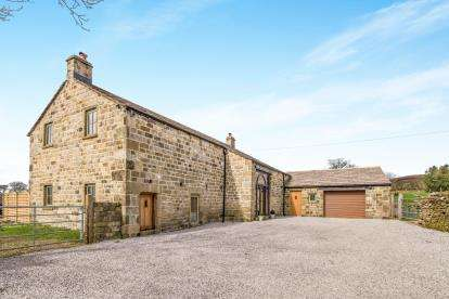 4 Bedrooms Barn Conversion Character Property for sale in Moss Houses Road, Foulridge, Colne, Lancashire, BB8