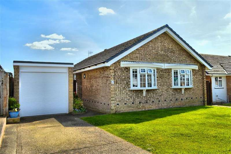 2 Bedrooms Property for sale in Lucinda Way, Seaford, East Sussex
