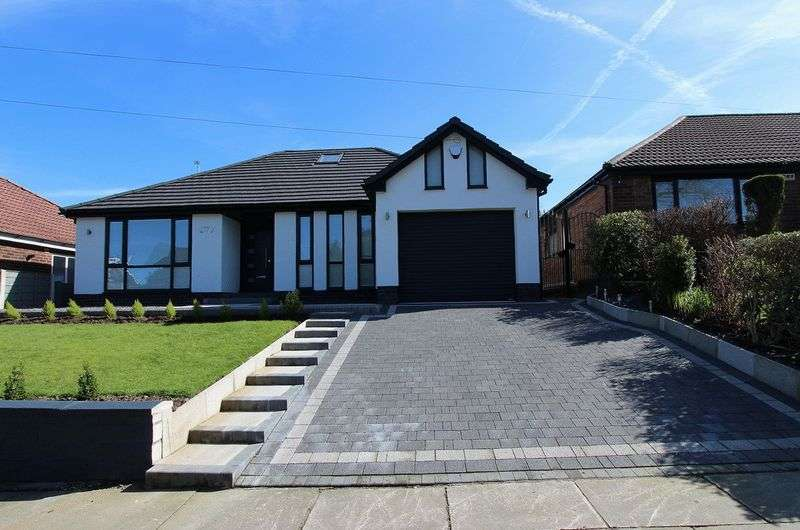 4 Bedrooms Detached Bungalow for sale in Manchester Road, Bury