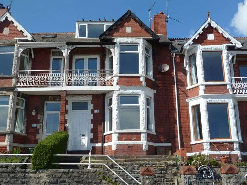 3 Bedrooms Terraced House for sale in Park Avenue, Barry