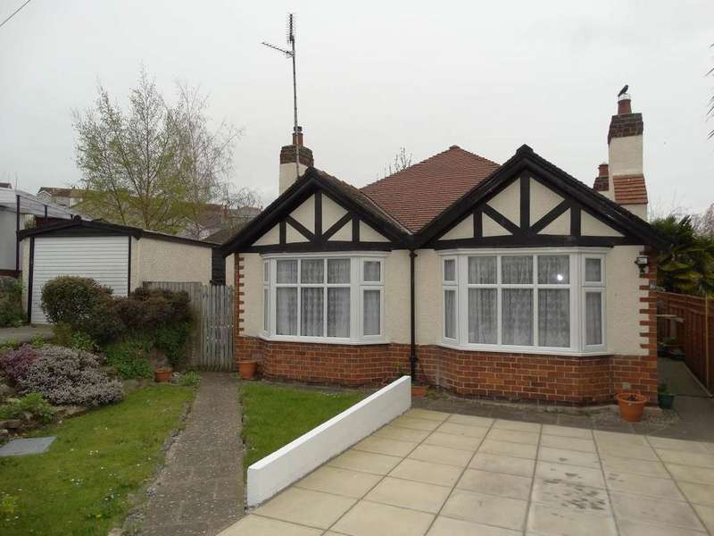 3 Bedrooms Detached Bungalow for sale in 16 Saint Catherine s Drive, Old Colwyn, LL29 9TT