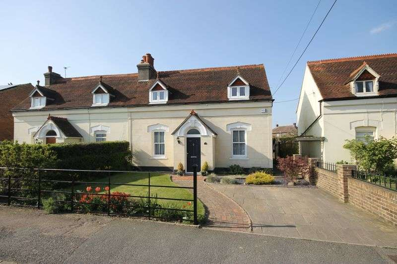 3 Bedrooms Semi Detached House for sale in 17 St Andrews Road, Burgess Hill, West Sussex