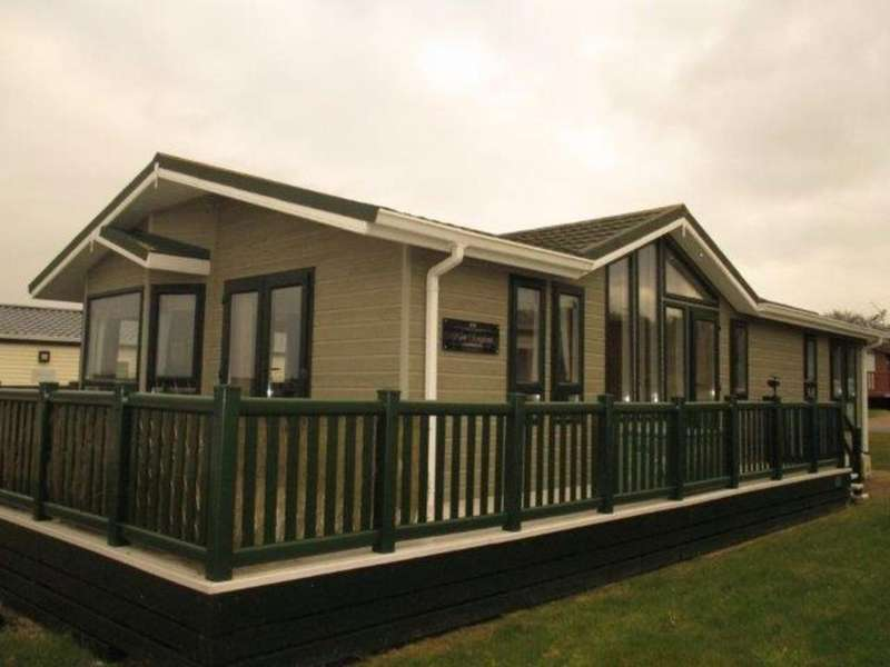 2 Bedrooms Mobile Home for sale in Thorness Bay Lodge