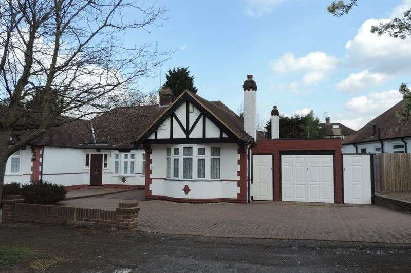 3 Bedrooms Semi Detached Bungalow for sale in Elmroyd Avenue, Potters Bar