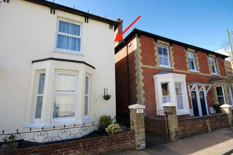 2 Bedrooms Semi Detached House for sale in North Street, Westbourne