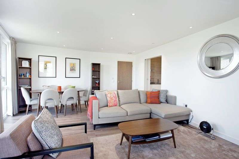 3 Bedrooms Flat for sale in 3 bed 2 bath South/East Reservoir facing apartment