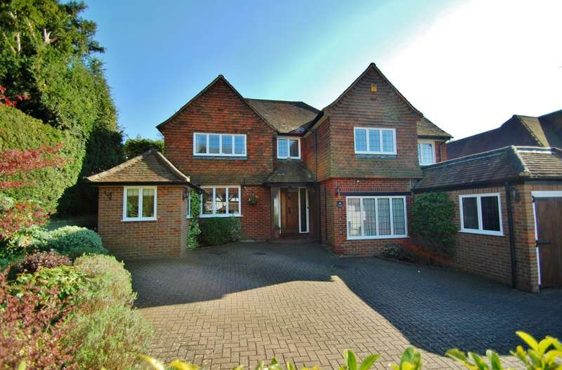 5 Bedrooms Detached House for sale in Layters Way, Gerrards Cross, SL9