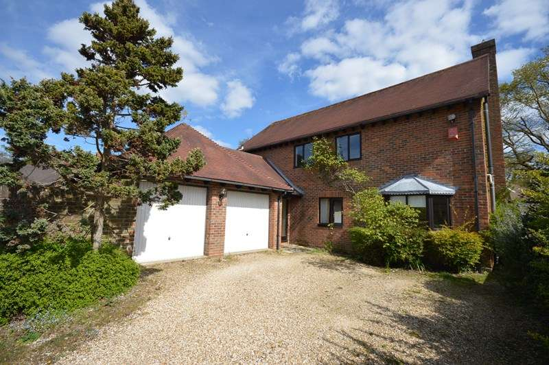 4 Bedrooms Detached House for sale in South Grove, Lymington