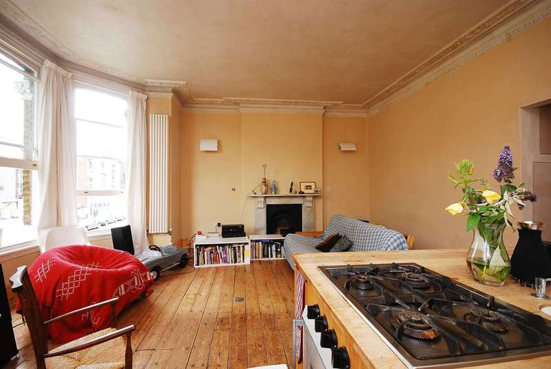 1 Bedroom Flat for sale in Tierney Road, Streatham Hill, SW2