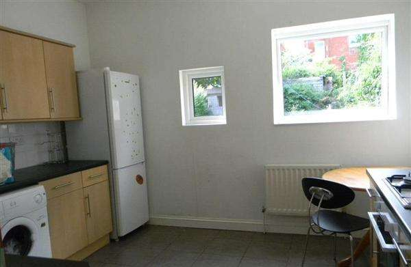 6 Bedrooms Property for rent in Sedgley Road, Winton