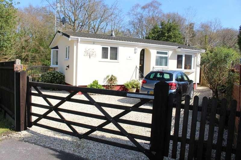 2 Bedrooms Detached Bungalow for sale in Drapers Copse, Dibden