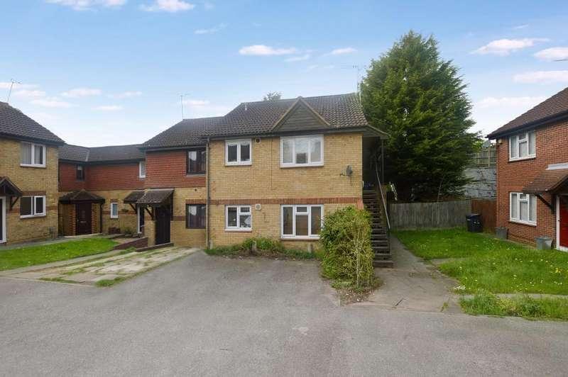 Studio Flat for sale in Gilderdale, Luton, Bedfordshire, LU4 9NB