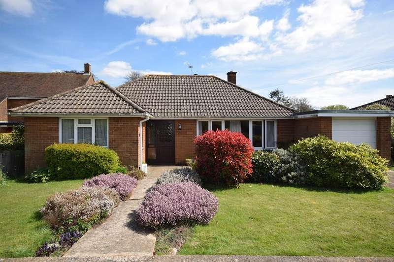 2 Bedrooms Detached Bungalow for sale in Main Road, Blackwater
