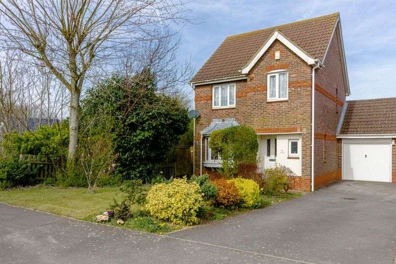 3 Bedrooms Detached House for sale in Squadron Drive, Worthing