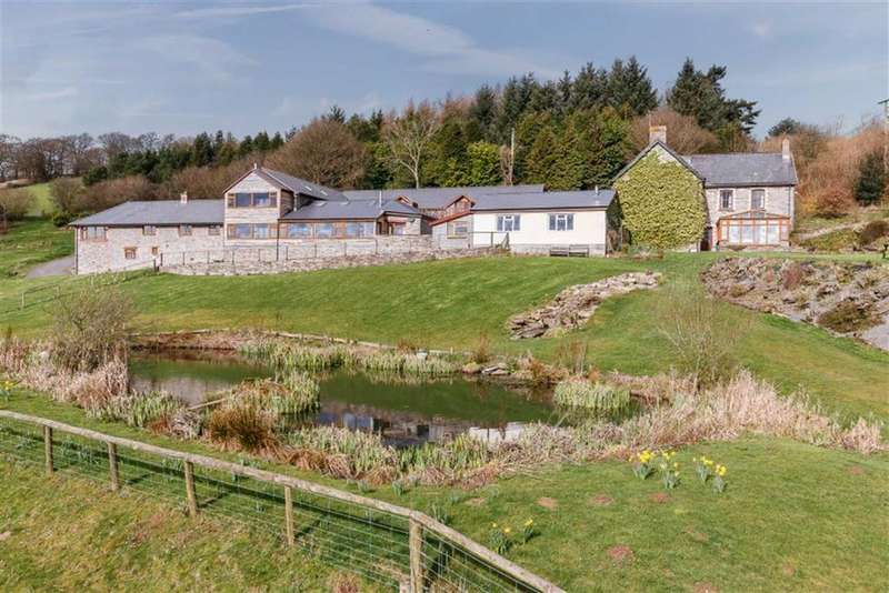 4 Bedrooms Farm House Character Property for sale in Lower Chapel, Brecon, Powys