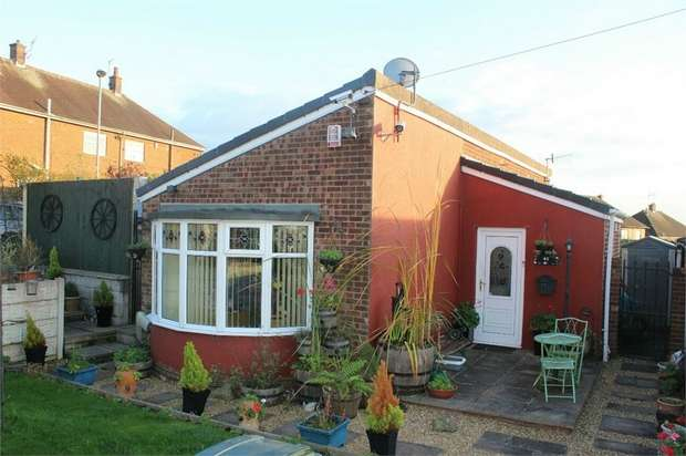 2 Bedrooms Detached Bungalow for sale in Clayfield Grove West, Stoke-on-Trent, Staffordshire