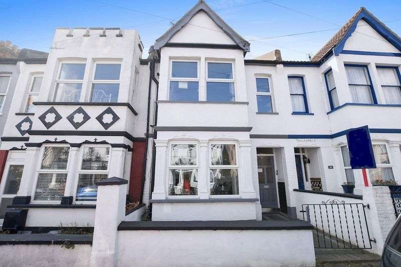 4 Bedrooms Semi Detached House for sale in St Helens Road, Westcliff-On-Sea