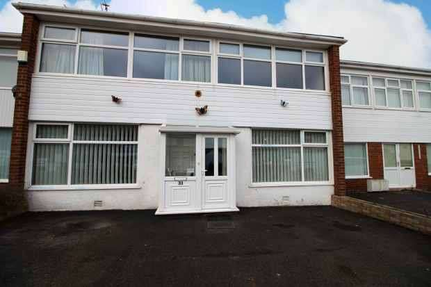 3 Bedrooms Terraced House for sale in Beechwood Drive, Thornton-Cleveley, Lancashire, FY5 5EJ