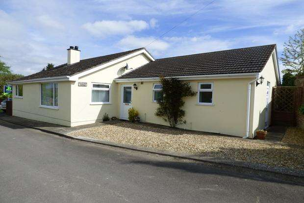 3 Bedrooms Bungalow for sale in North Halls, Binbrook, Market Rasen, LN8