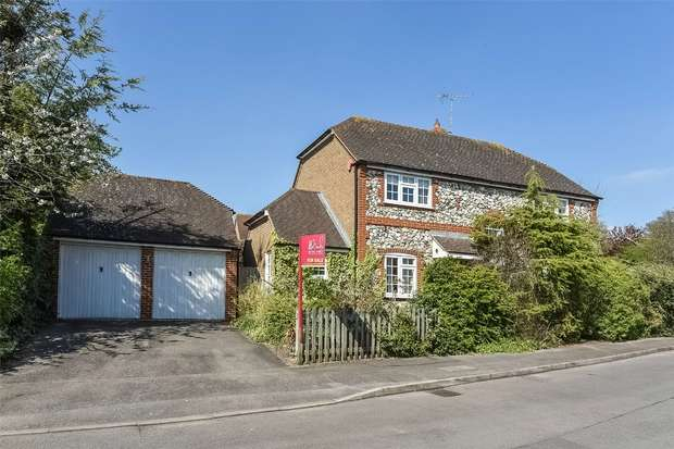 4 Bedrooms Detached House for sale in Buttercup Close, WOKINGHAM, Berkshire